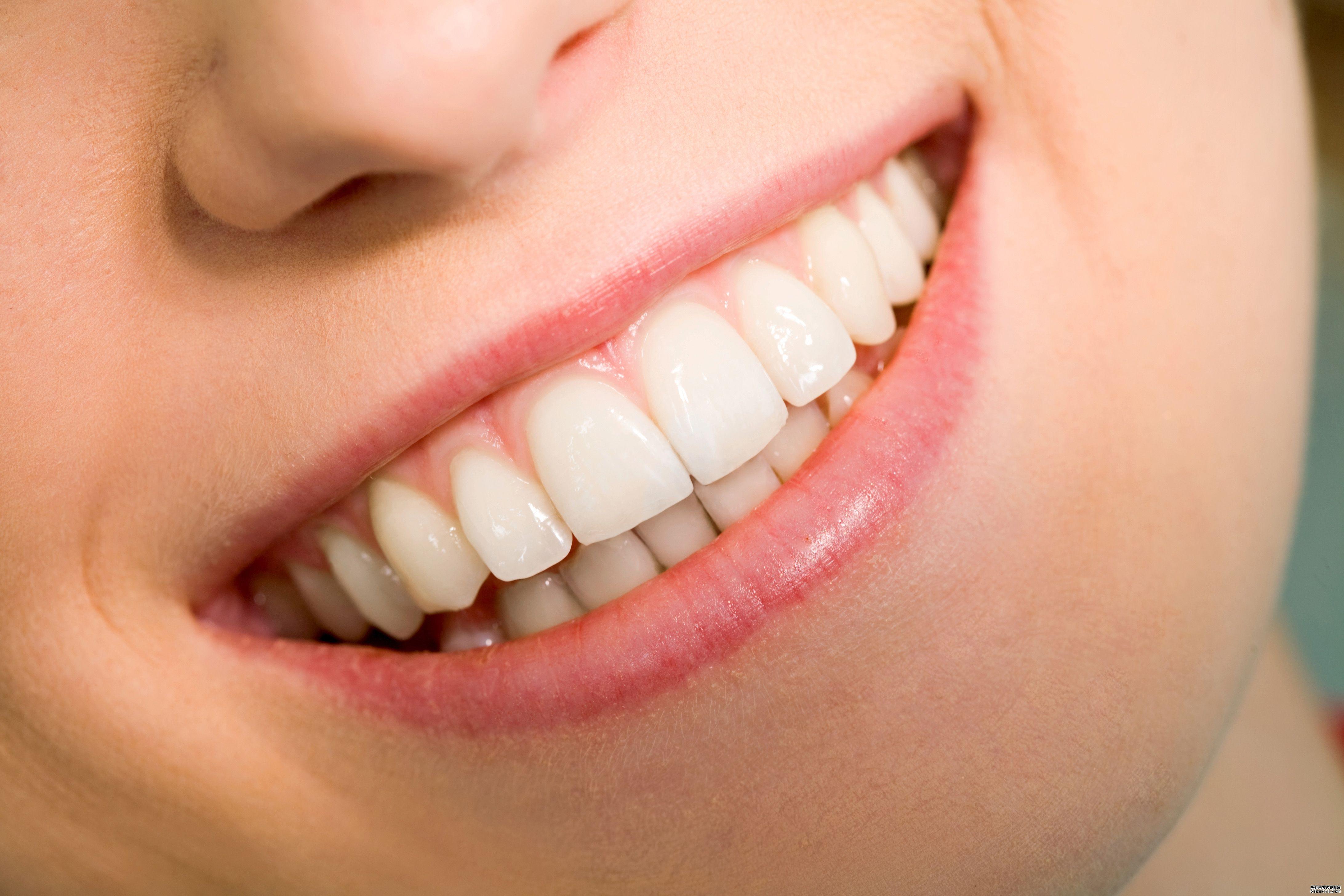 成年人牙齿稀疏能矫正吗